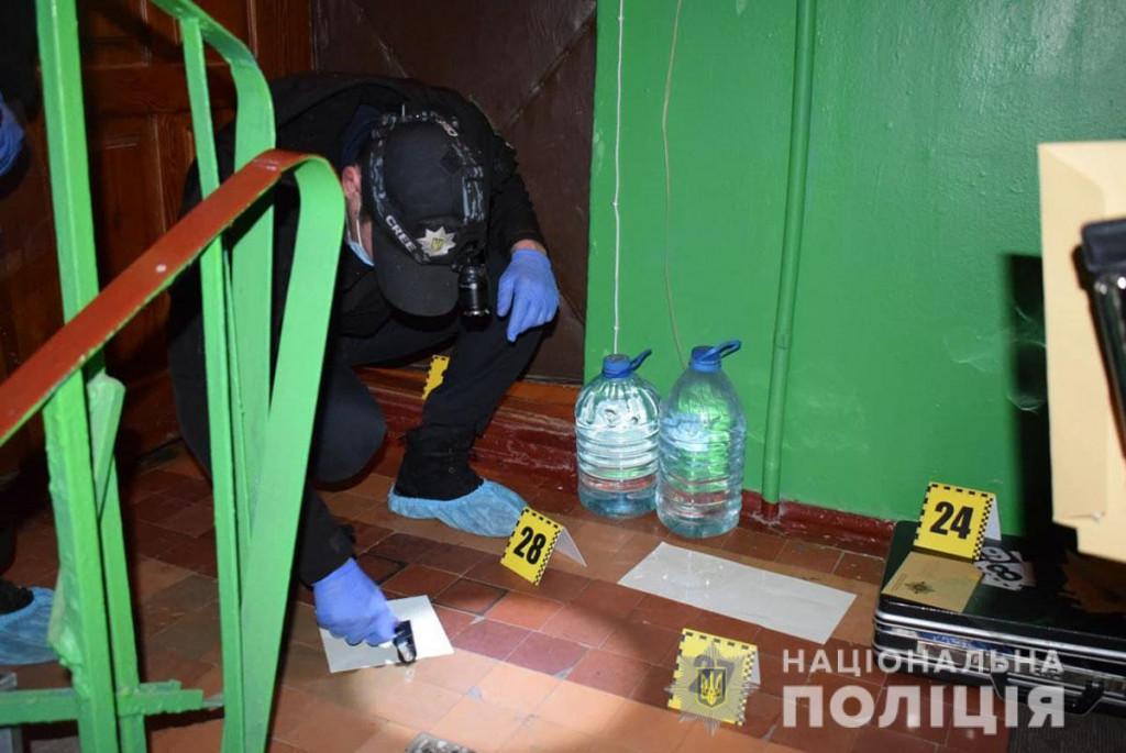 На розыск преступников поднят весь личный состав местной полиции / фото Нацполиция