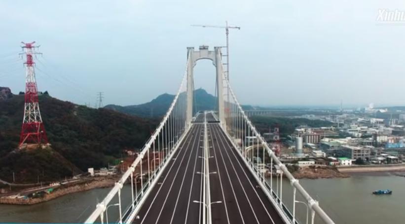 Общая протяженность моста составляет более 6 киилометров / Скриншот Xinhuanet