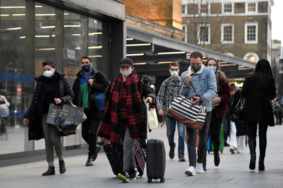 """У ВООЗ попереджають про """"масову травму""""через пандемію коронавірусу / фото REUTERS"""