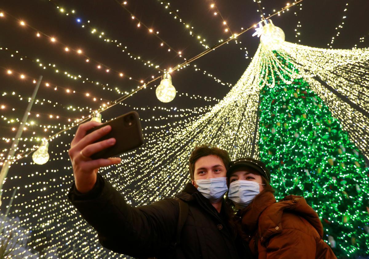 За все время пандемии в Украине заболели более 970 тысяч человек / фото REUTERS