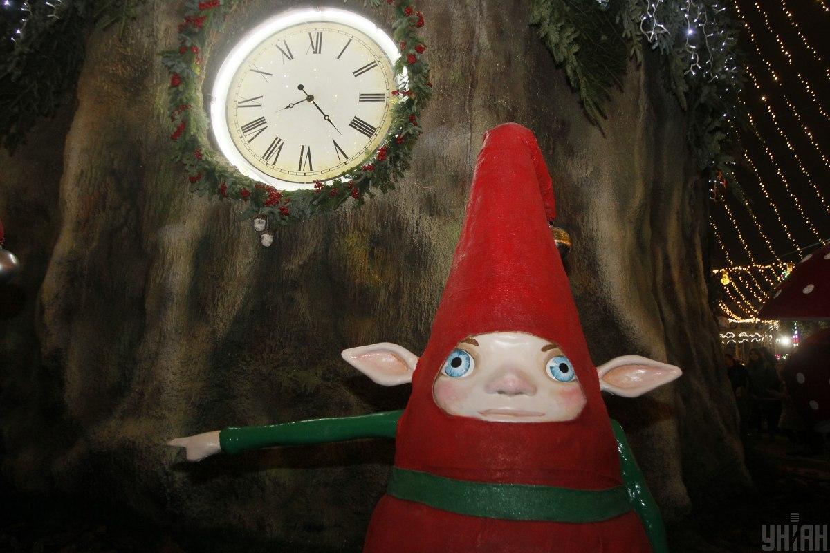 Тематика ялинки на Софійській цього року - казковий ліс / фото УНИАН (Борис Корпусенко)