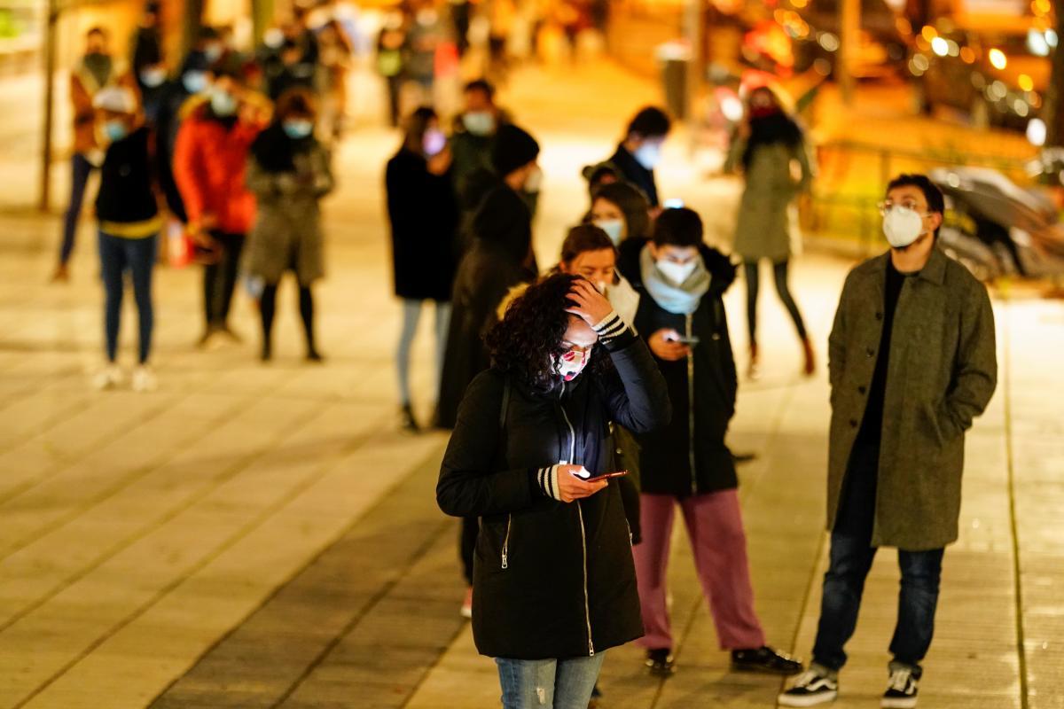 В Киеве увеличивается количество больных коронавирусом \ фото REUTERS