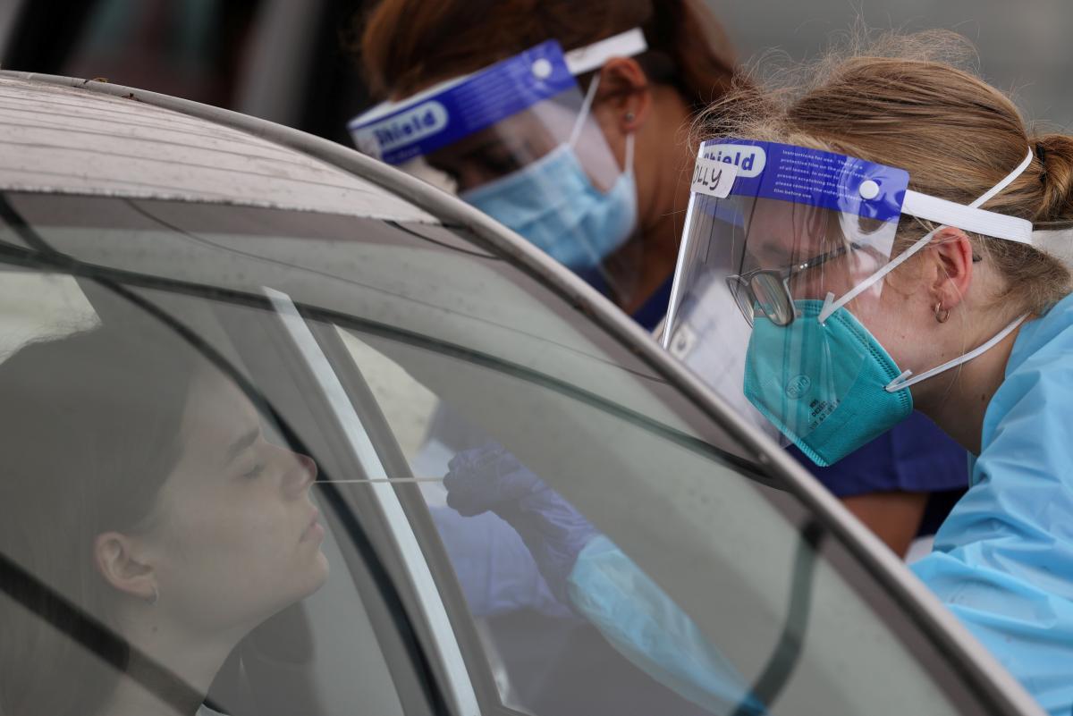 Новий штам коронавірусу виявили в Британії / REUTERS