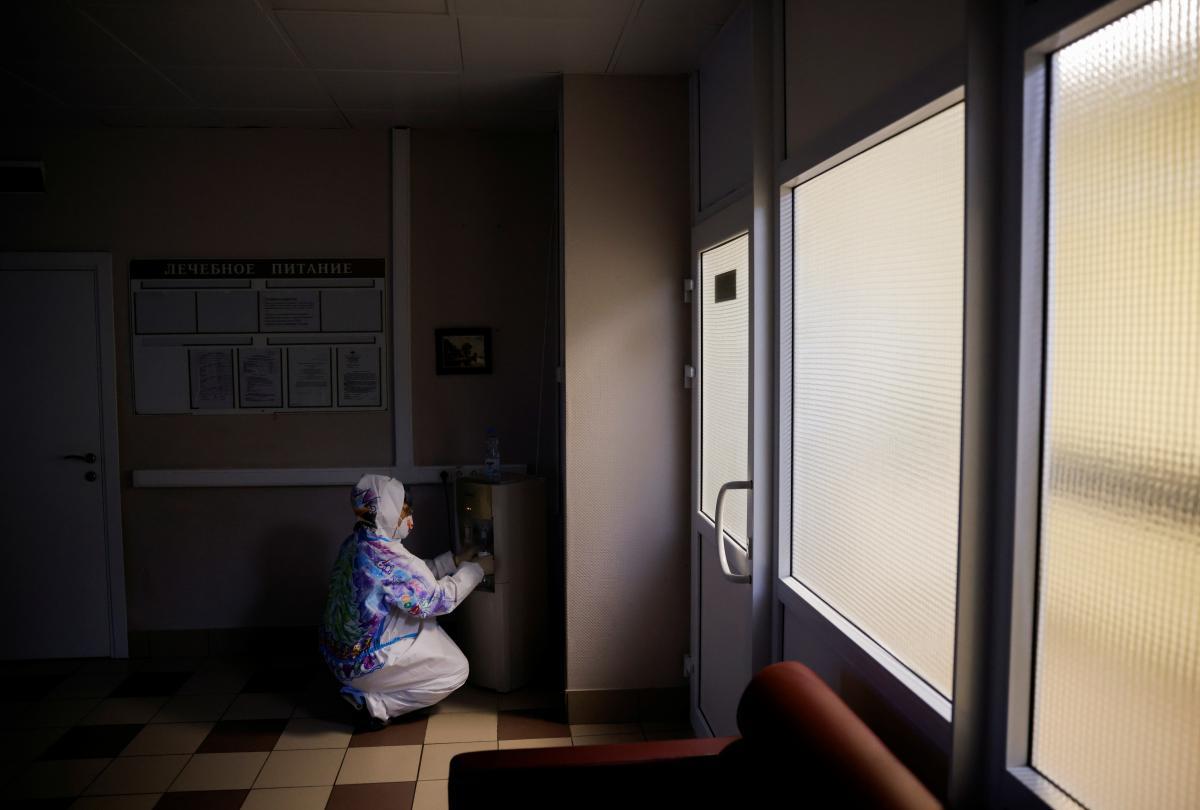 Число заболевших COVID-19 в мире приближается к 80 млн человек / фото REUTERS