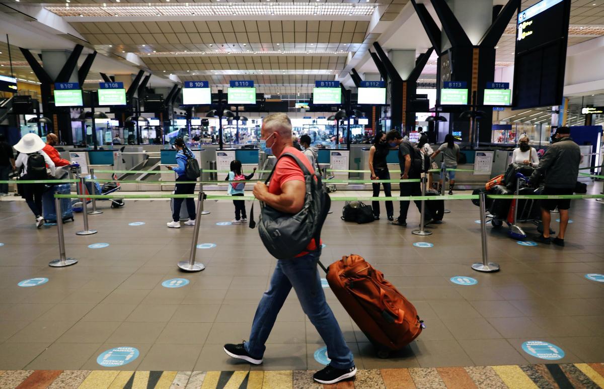 Локдаун в Украине - ограничивать авиасообщение на Новый год не планируют / REUTERS