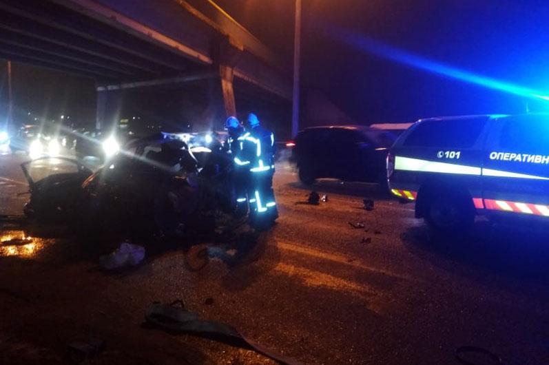 Спасатели установили, что водитель не справился с управлением / фото dsns.gov.ua