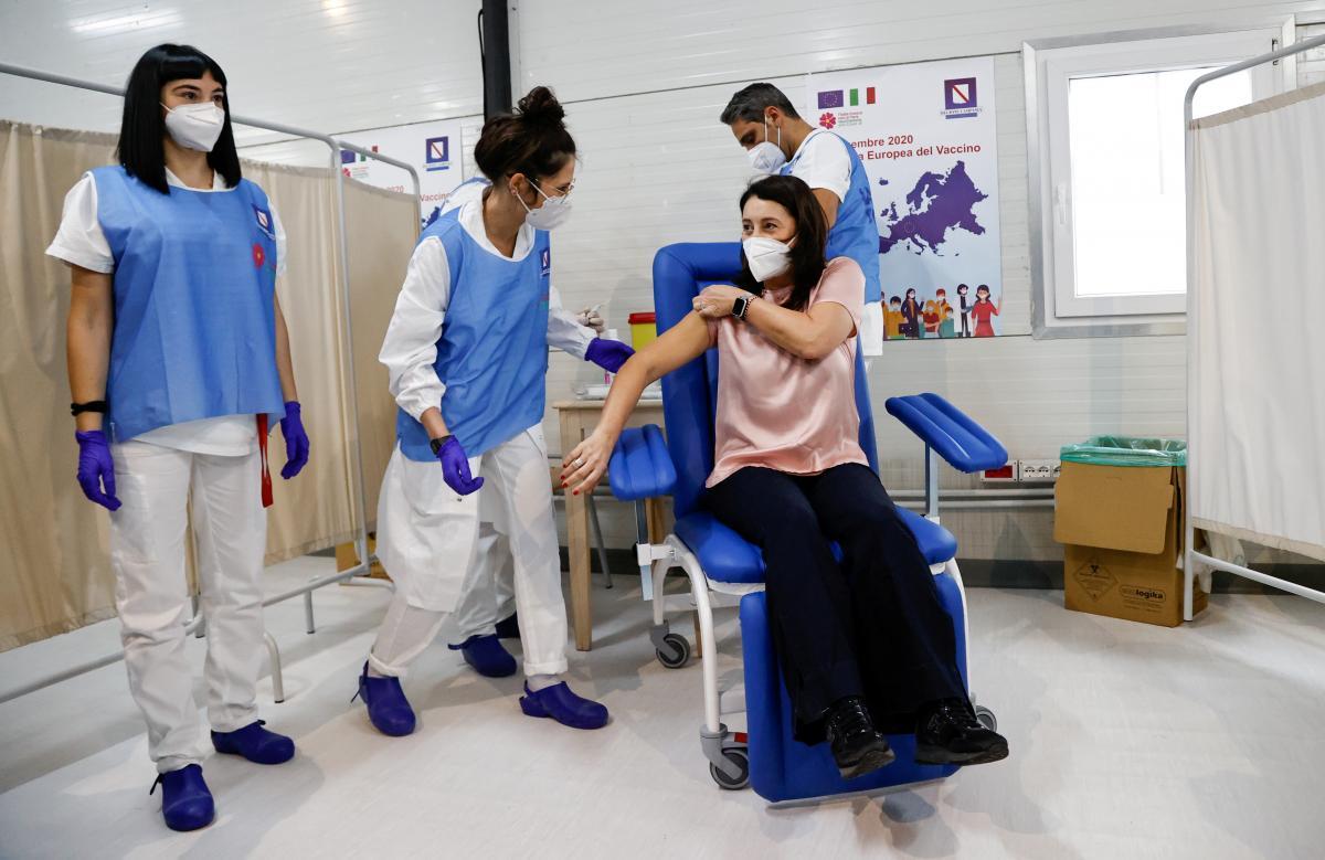 В Италии не планируют делать вакцинацию от коронавируса / фото REUTERS