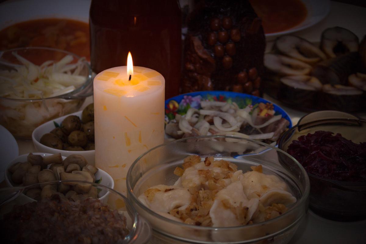 Меню на Сочельник 2021 - рецепты постных блюд / фото ua.depositphotos.com