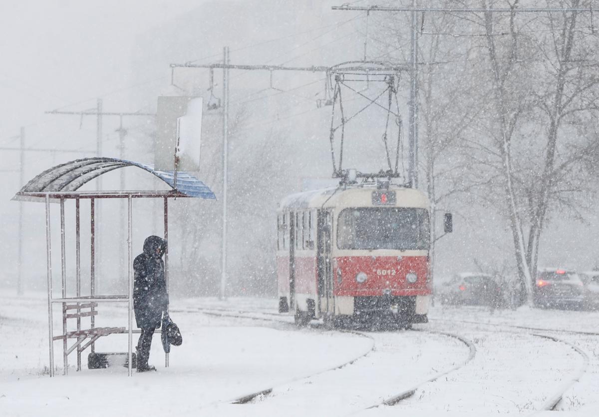 Київ засипає снігом \ фотоREUTERS