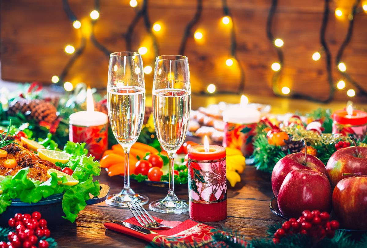 Салаты на рождественский стол - рецепты / фото ua.depositphotos.com