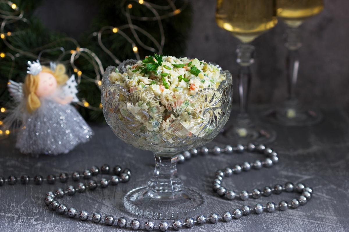 Журналісти порахували вартість порції новорічного салату / фото ua.depositphotos.com