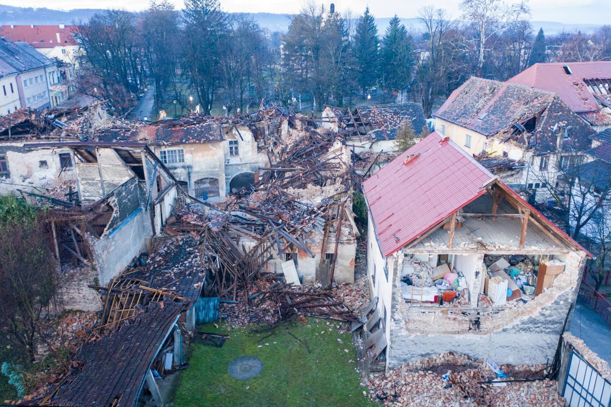 Наслідки землетрусу в Хорватії / REUTERS