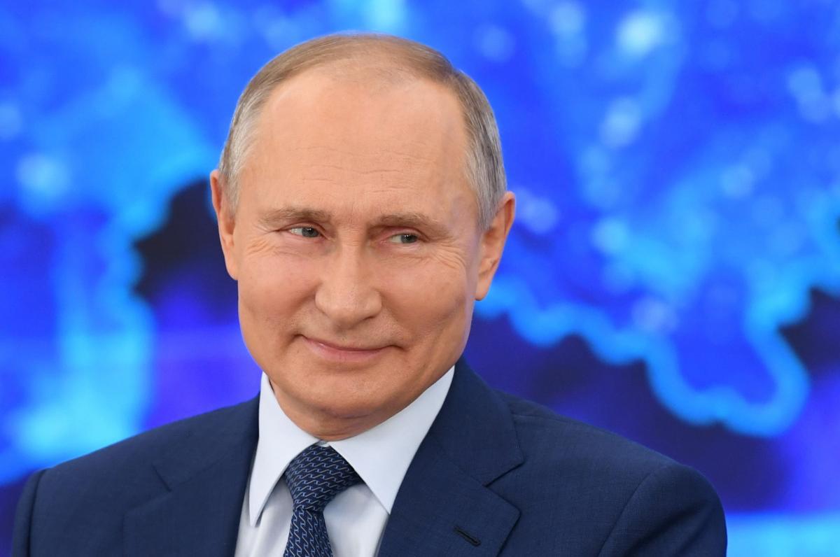 Спутник-V-Путин объяснил, почему до сих пор не прививался российской вакциной / REUTERS