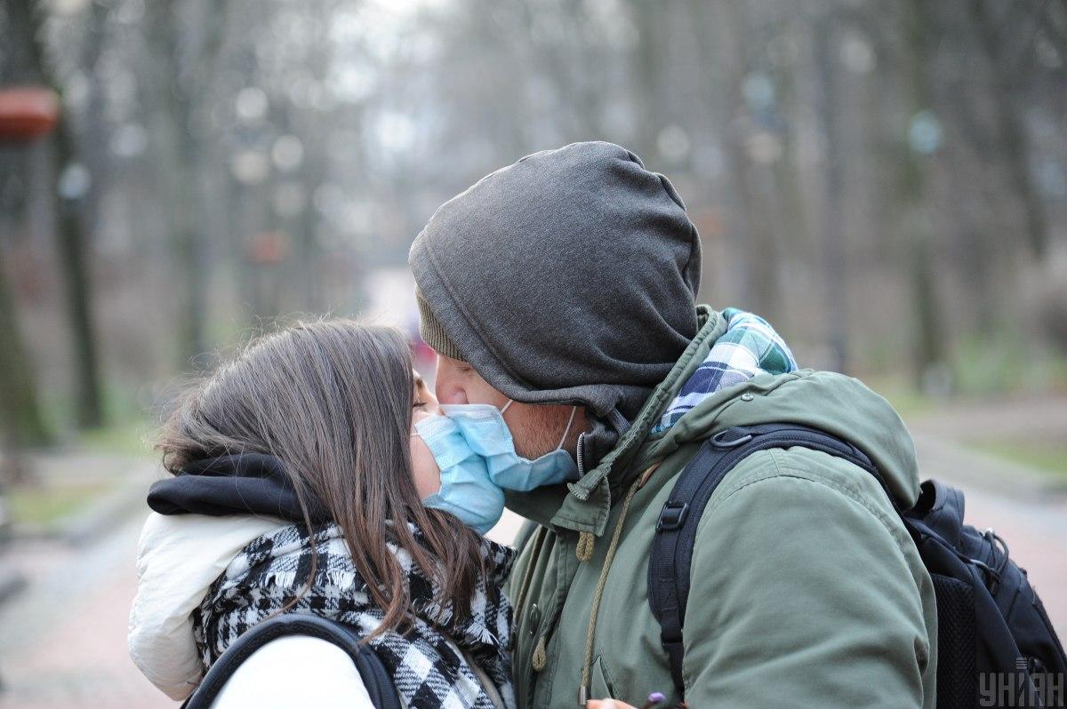 Локдаун с 8 января поможет снизить скорость распространения вируса / фото УНИАН, Николай Тыс
