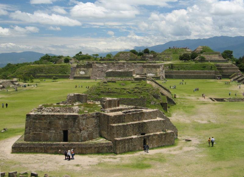 В 1932 году в руинах древнего индейского поселения Монте-Альбана на юге Мексики был обнаружен богатейший клад XIII века / wikimedia.org