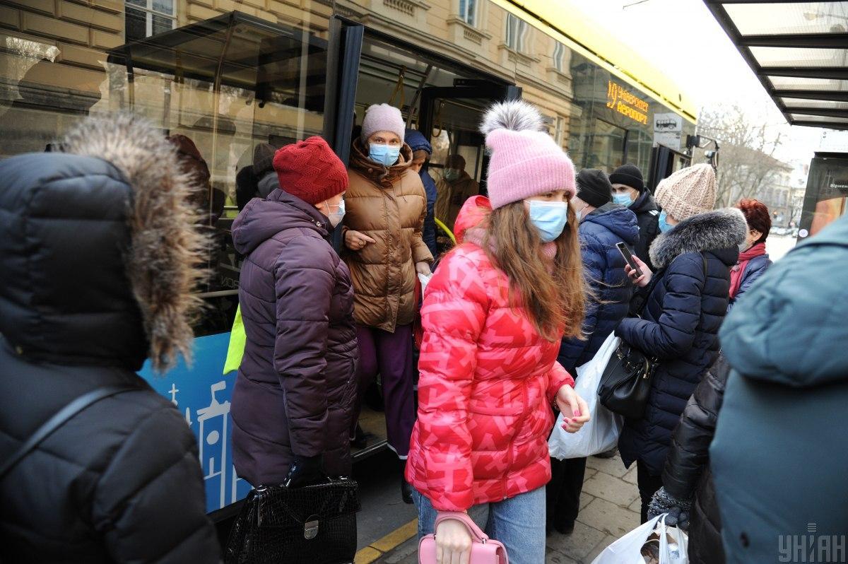 В Украине продолжает сокращаться заполненность больничных коек для коронавируса / фото УНИАН
