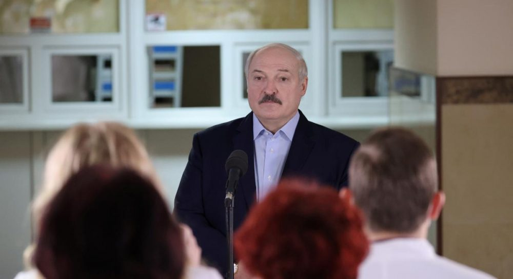 """Лукашенко поручил пригласить в Беларусь генпрокуроров из Украины и России, чтобы разобраться с """"вагнеровцами"""""""