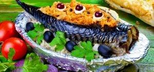 Аппетитно-сочная скумбрия: как вкусно запечь рыбу в духовке