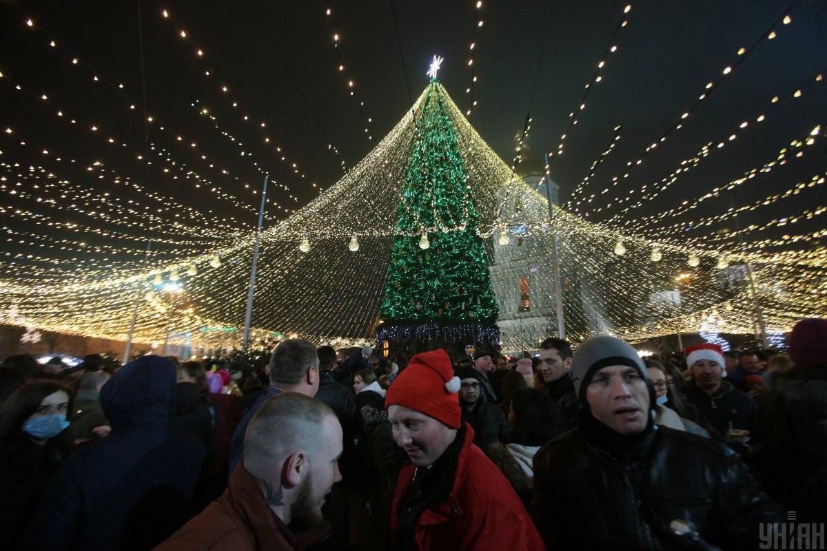 Після свят в Україні збільшиться кількість хворих на COVID-19 / фото УНІАН
