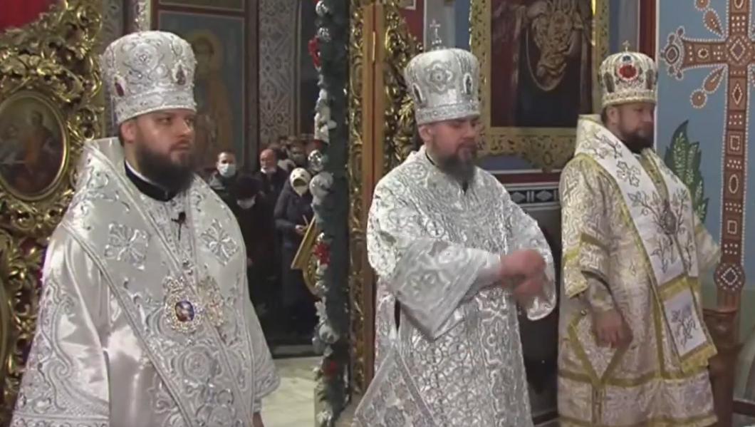 В Киево-Печерской лавре началось праздничное богослужение \ скриншот с видео
