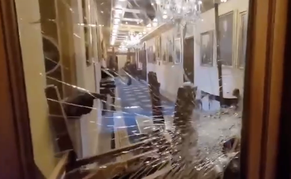 Момент убийства попал на видео / Скриншот