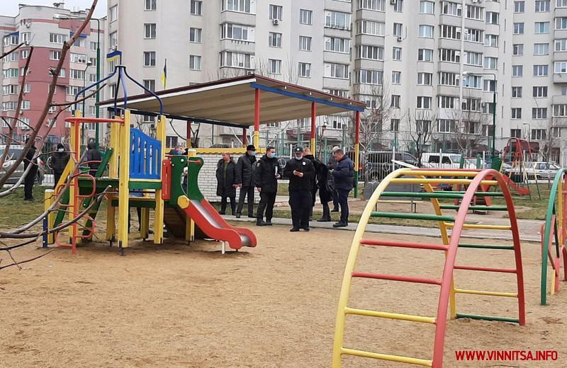 На месте происшествия работают специалисты / фото Винница.info