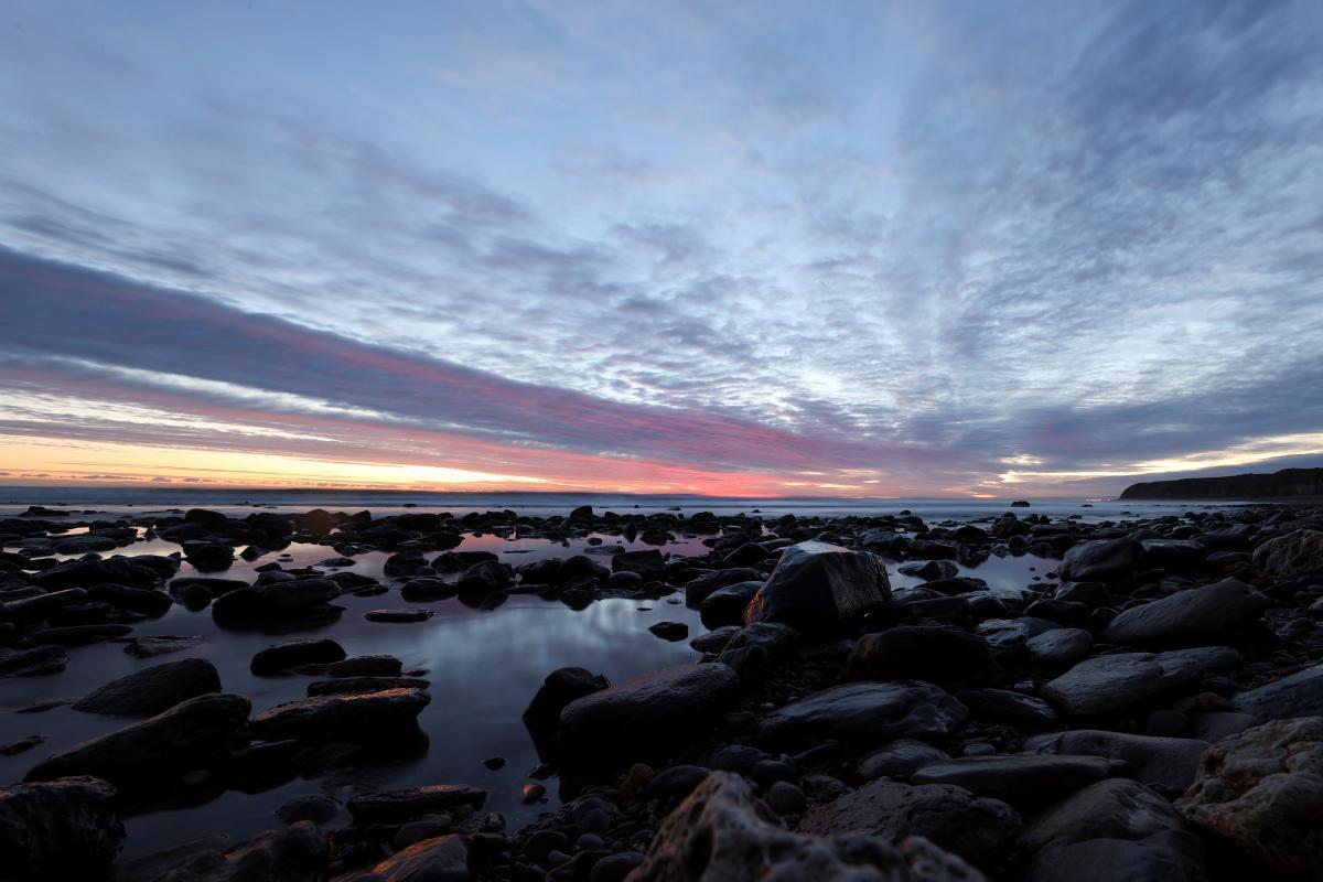 Зимой восход Солнца тоже бывает невероятно красивым / фото REUTERS