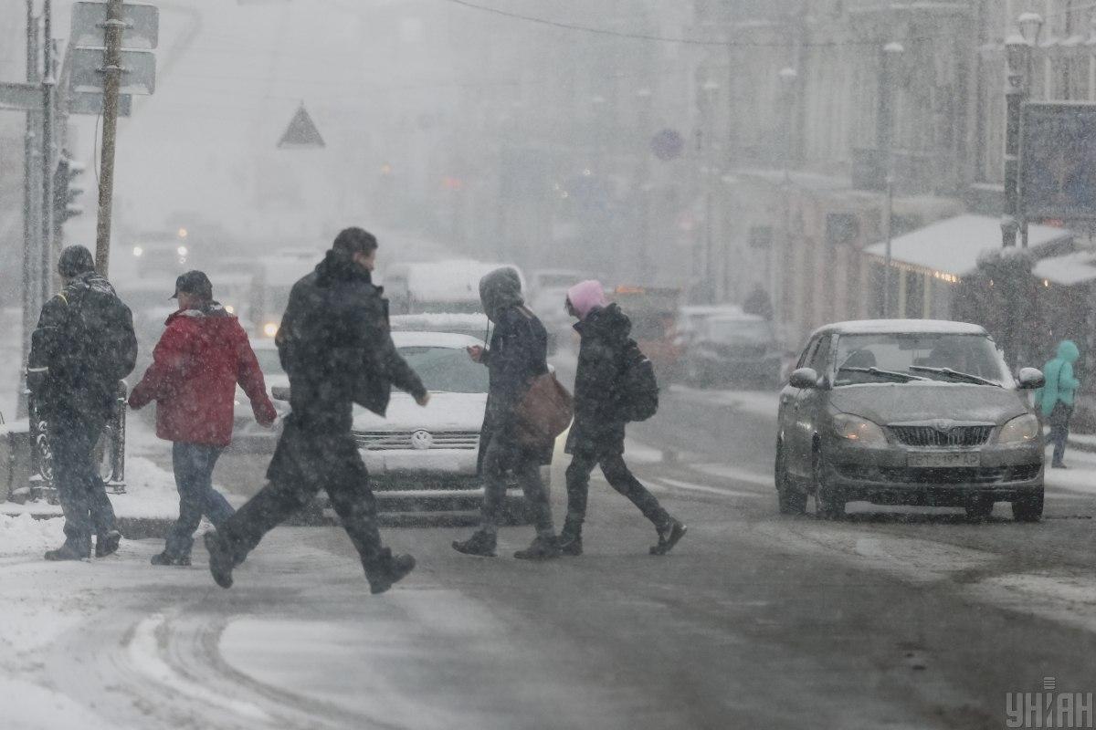 Снігопад у Києві прогнозують і на сьогодні / фото УНІАН