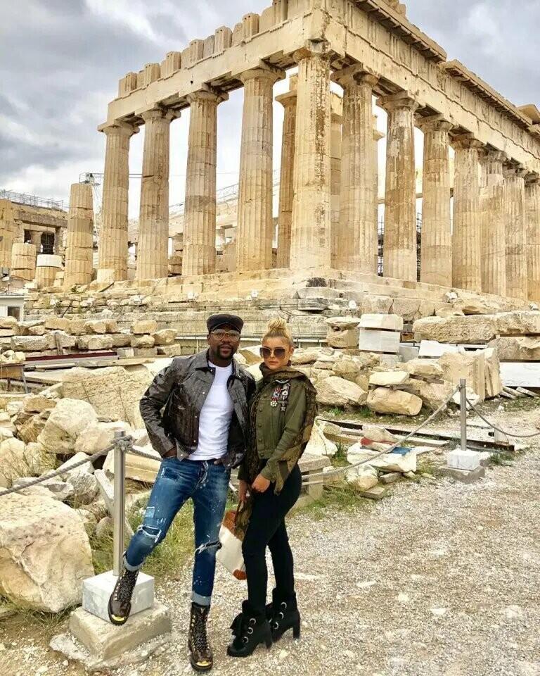 Пара разом на відпочинку в Греції / фото Instagram Anna Monroe