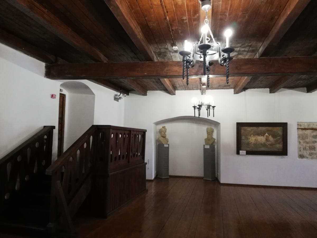 Зал музея внутри комплекса Хотинской крепости / фото Марина Григоренко