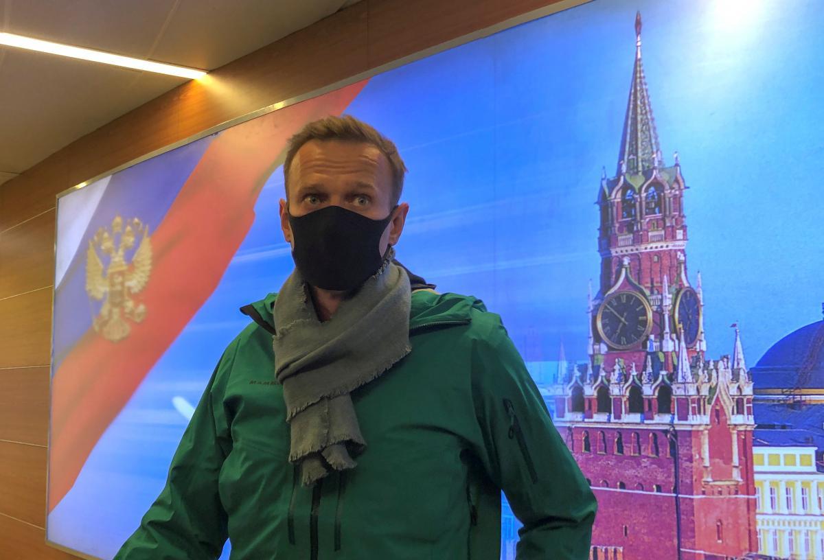 Навального задержали сразу после возвращения в Россию / фото REUTERS