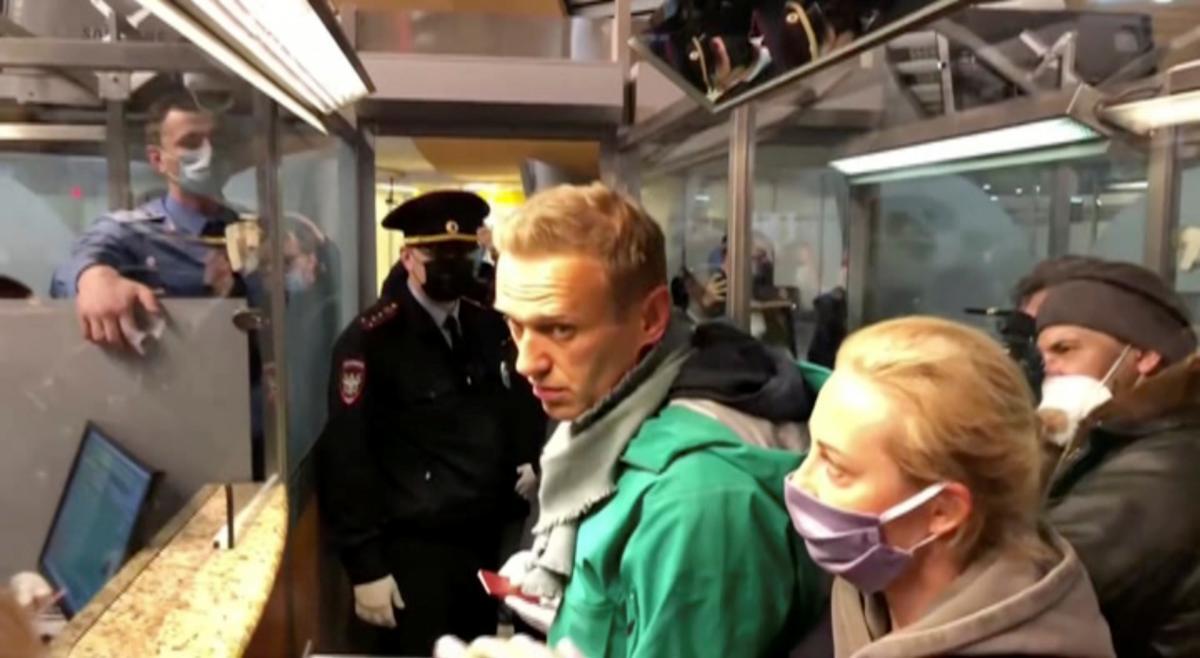 Кремль больше не может делать вид, что Навальный - неважный блогер / фото REUTERS