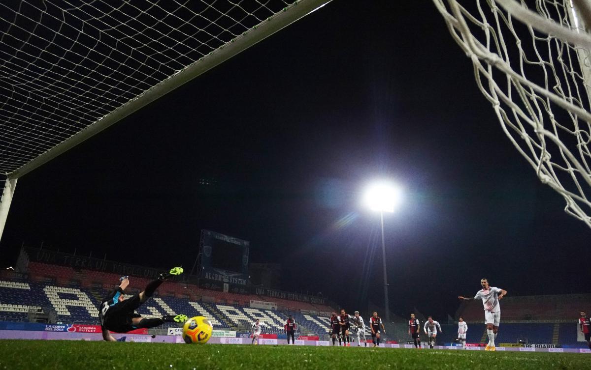 Первый гол Ибрагимович забил с пенальти / фото REUTERS