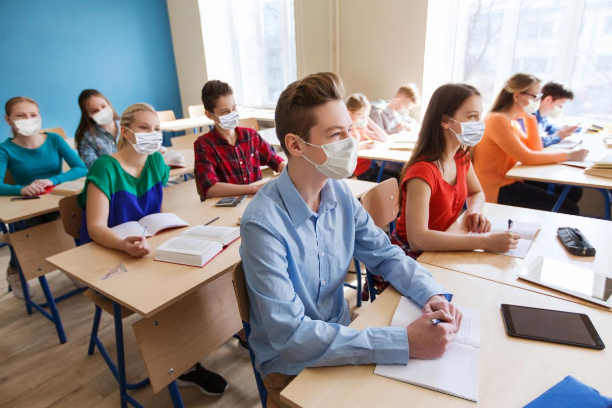 Уроки з медіаграмотності повинні з'явитися в українській шкільній програмі / фотоua.depositphotos.com