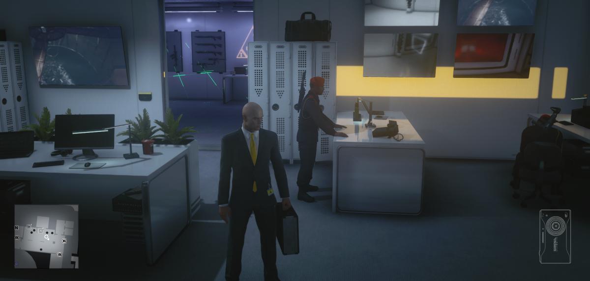 А вот и чемоданчик, куда можно спрятать оружие / скриншот
