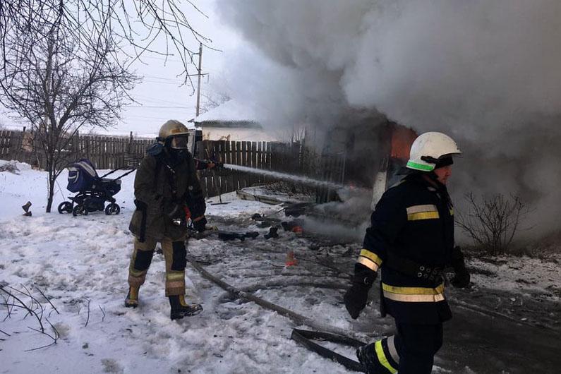 Возгорание возникло внутри одноэтажного частного жилого дома / фото dsns.gov.ua