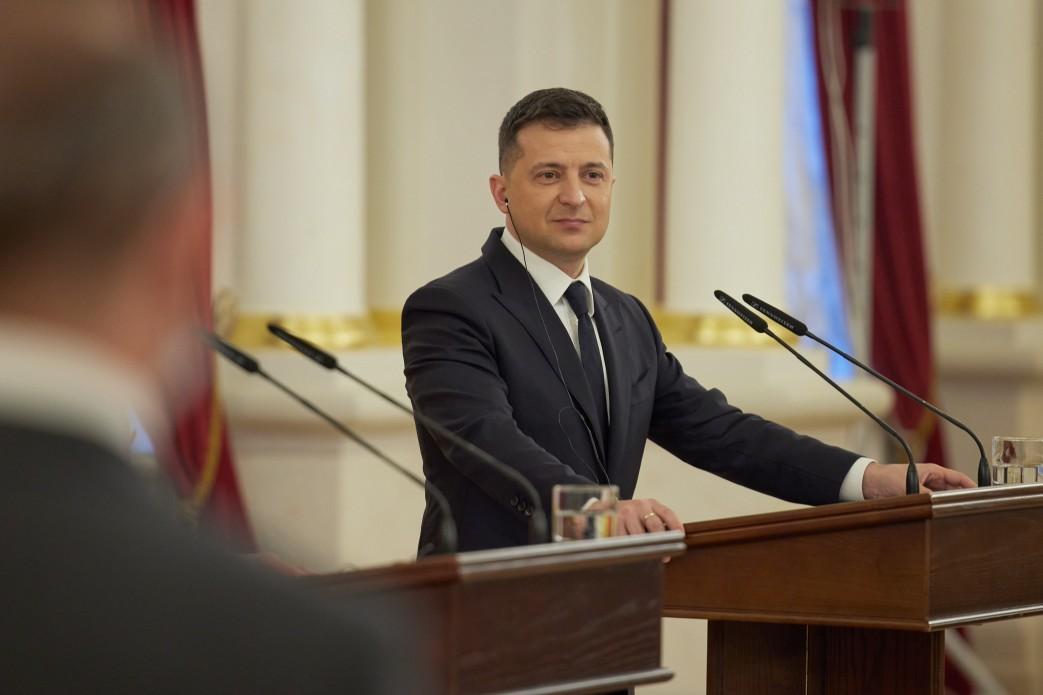 На выборах президента Украины в ближайшее время действующий президент получил бы больше всего поддержки / фото president.gov.ua