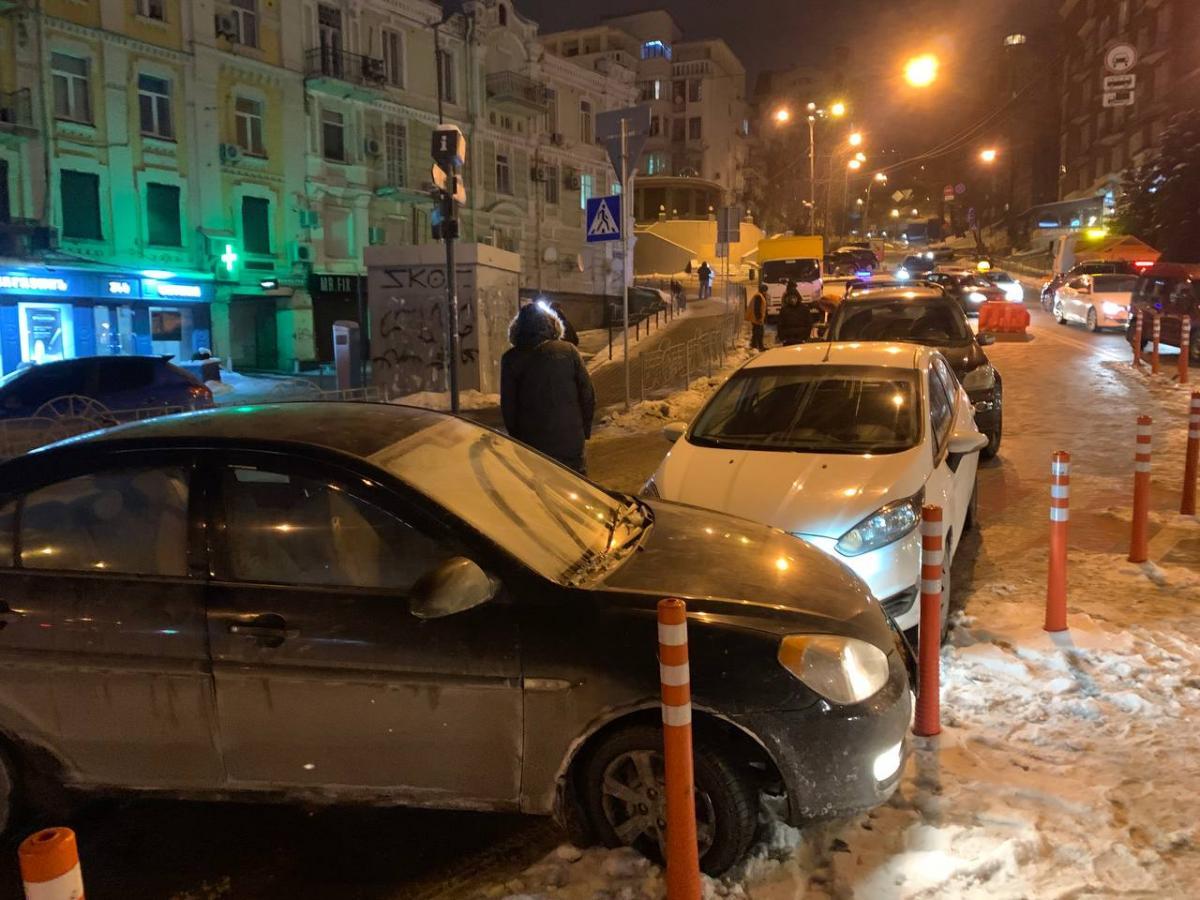 В центре Киева произошло масштабное ДТП / Магнолия-ТВ
