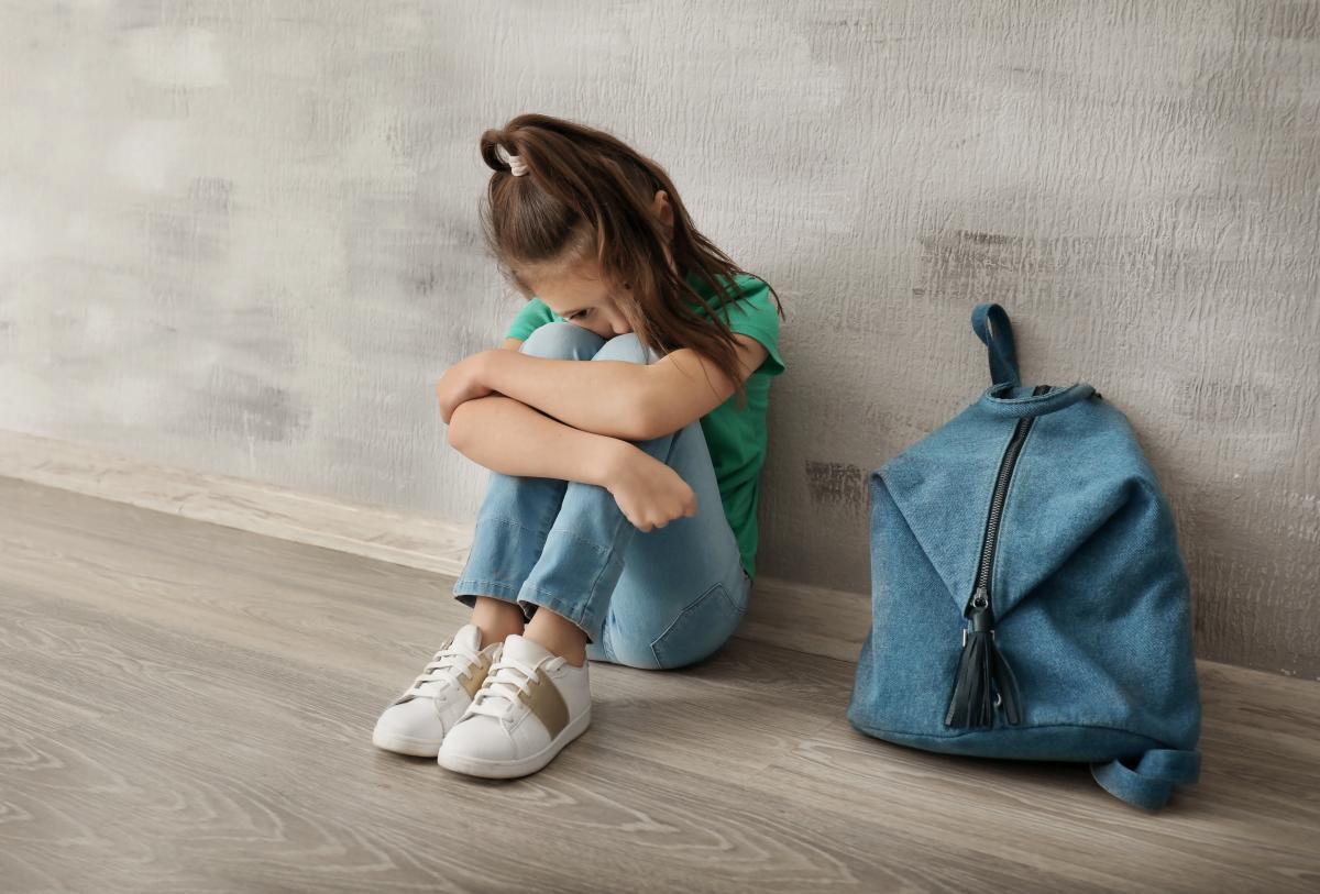 В школе Луцка учитель заставила трех девочек раздеться до белья (иллюстративное фото)/ фото ua.depositphotos.com