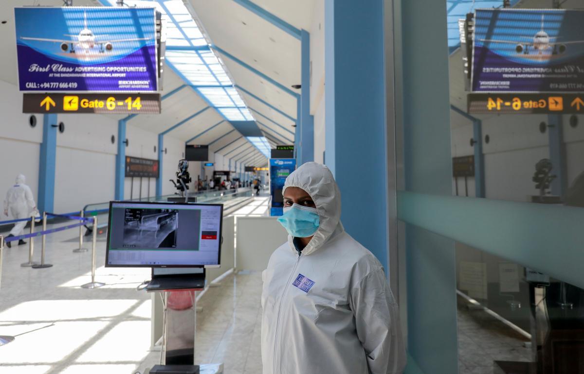 В обоих киевских аэропортах провериться на коронавирус можно за 40 долларов США /фото REUTERS