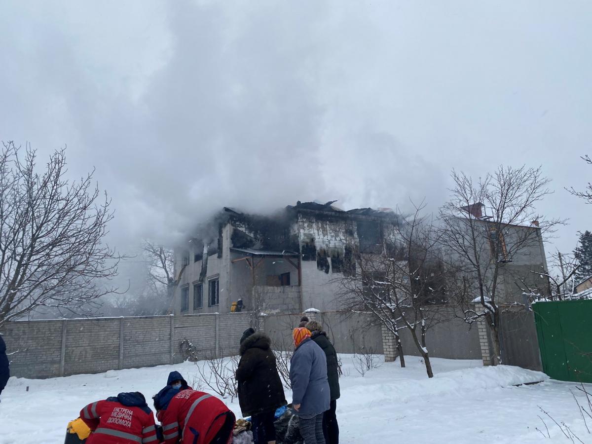При пожаре в доме престарелых в Харькове погибли 15 человек / фото REUTERS