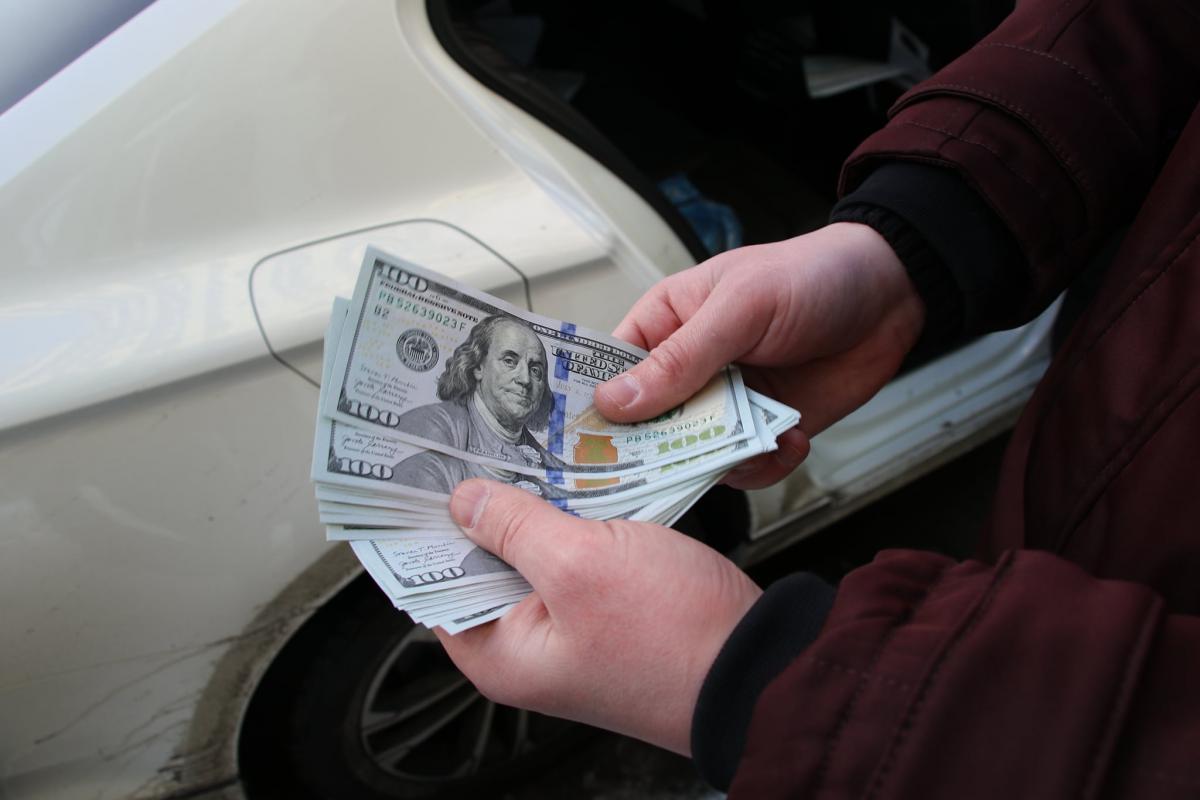 ДБР за 8 місяців задокументувало хабарів на суму понад 20 млн гривень / фото facebook.com/ГУ СБУ у Києві та Київській області