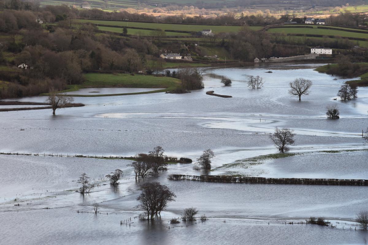 Северо-запад Англии затопило / фото REUTERS