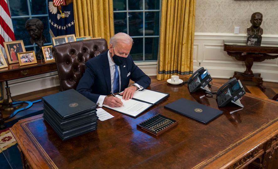 Байден убрал кнопку Трампа для заказа колы / фото twitter.com/tnewtondunn