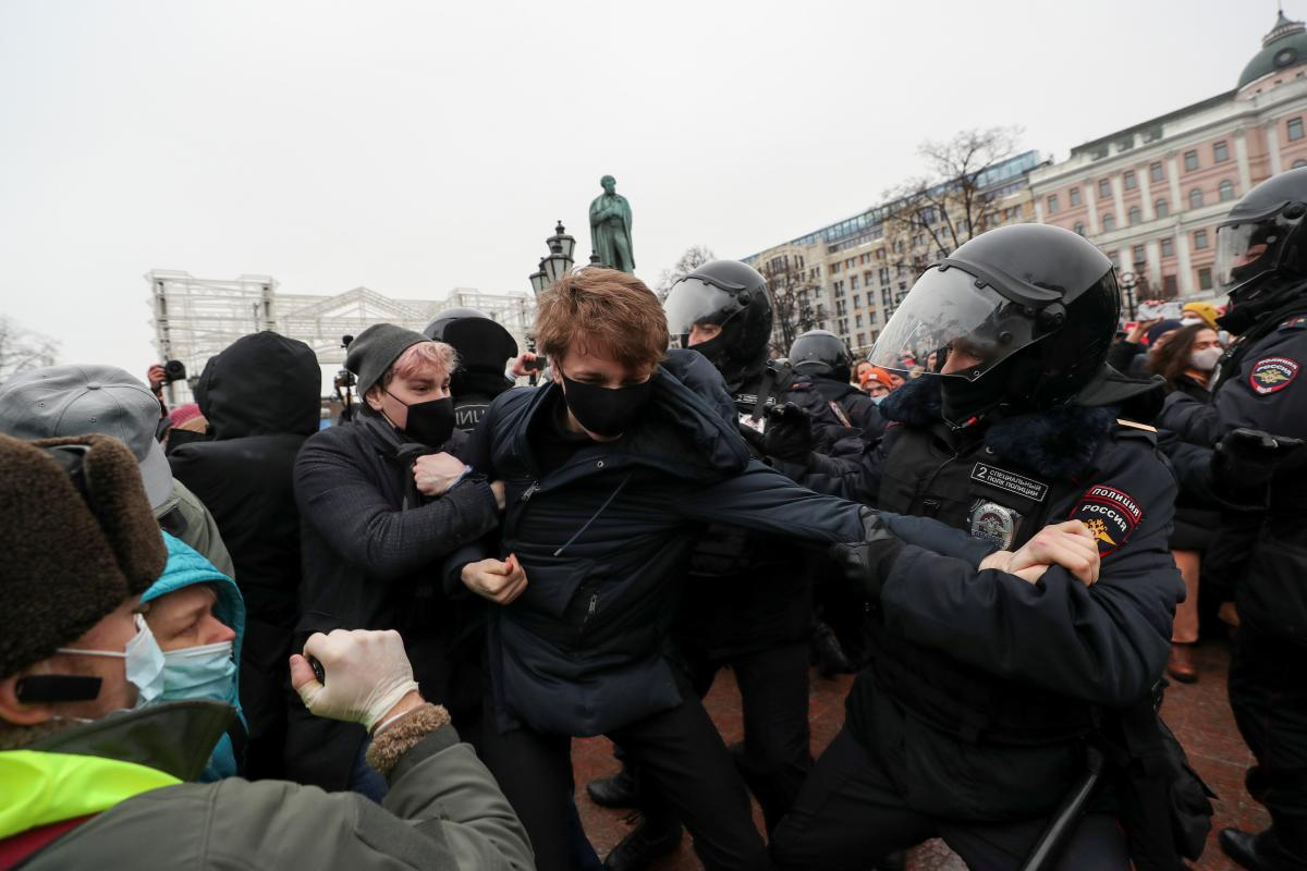 Затримання мітингах в Росії / фото REUTERS