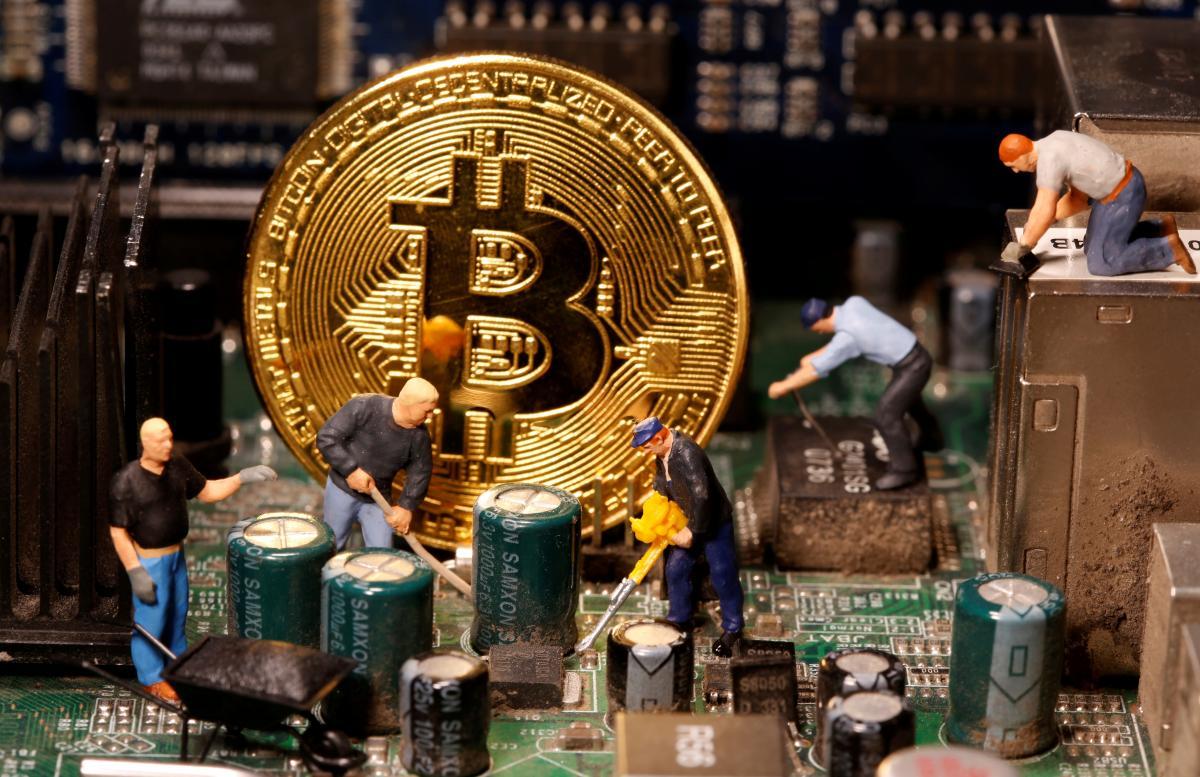 Ферми, які майнять електронні гроші, це великі комп'ютери, більша частина яких - відеокарти / фото REUTERS