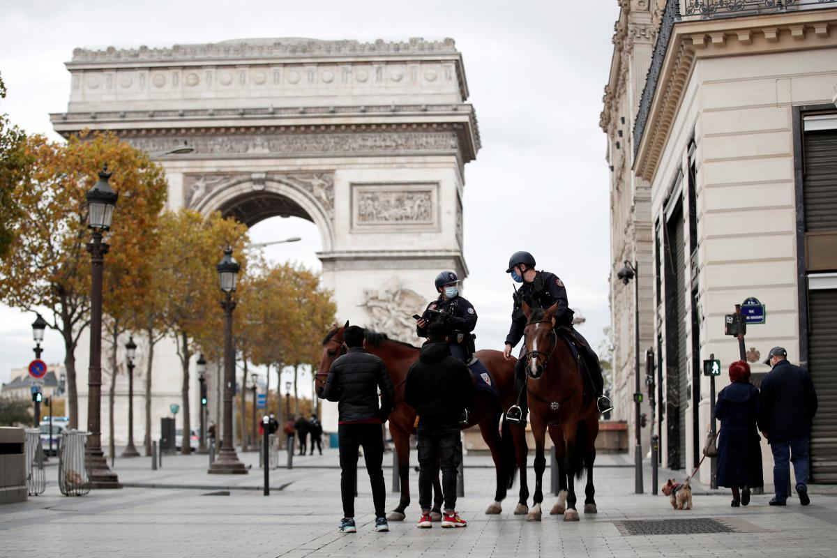 Во Франции готовятся ввести уже третий с начала пандемии локдаун \ фото REUTERS