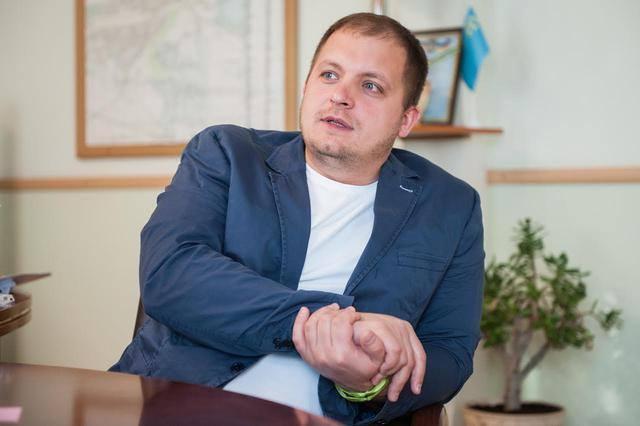 Семеніхін вже заявив про свою перемогу на виборах/ фото Facebook Артема Семеніхіна
