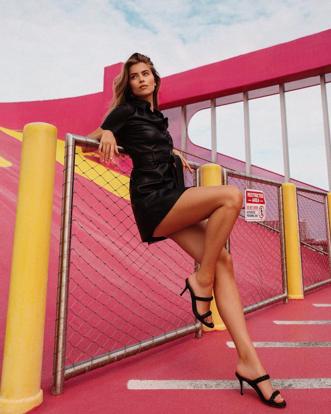 Евдокименко показала ножки / instagram.com/iamsofiaeve