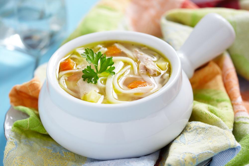 Курячий суп з вермішеллю / фото ua.depositphotos.com